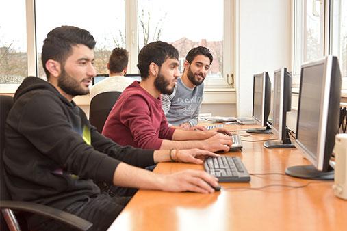 PerjuF BOB Berufsvorbereitung für junge Flüchtinge