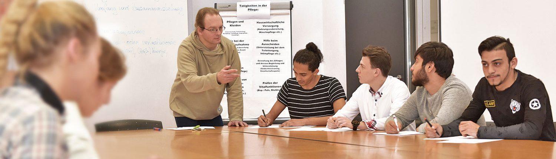 juniver-Bereich Handwerk und Soziale Dienste – Pflege-Unterricht